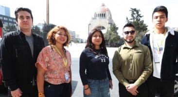 """""""Soñadores"""" regresan de México en viaje que les puede facilitar la ciudadanía"""