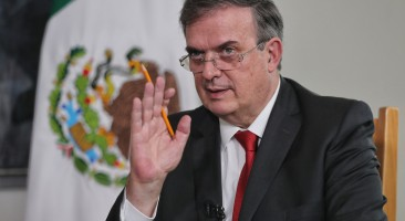 México buscará dialogar con EU sobre restricciones por vacuna: Ebrard